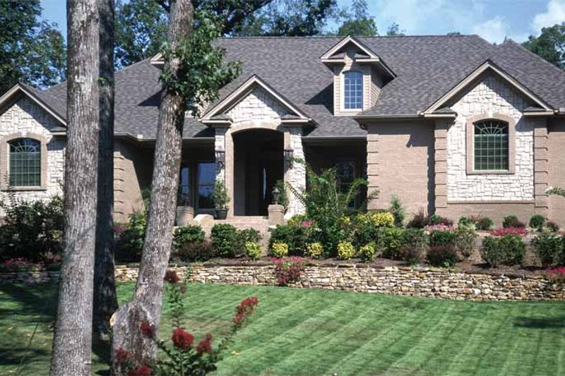 Dream House Plan - Contemporary Exterior - Front Elevation Plan #17-2826