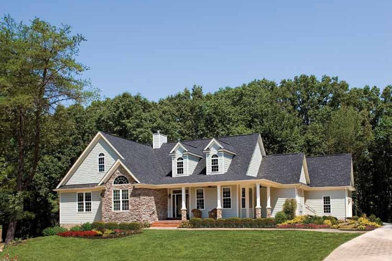 House Plan Design - Country Exterior - Front Elevation Plan #929-425