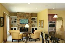 Traditional Interior - Family Room Plan #928-222