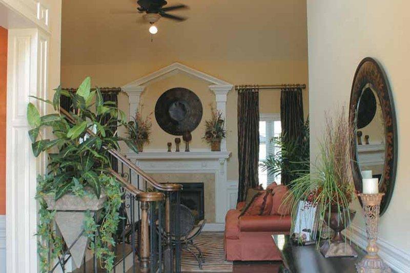 Colonial Interior - Entry Plan #927-587 - Houseplans.com