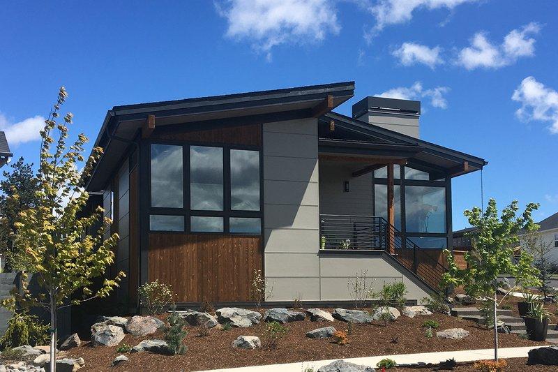 House Plan Design - Modern Exterior - Front Elevation Plan #895-120