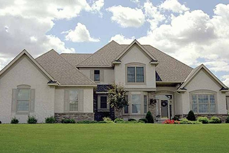 Dream House Plan - Traditional Exterior - Front Elevation Plan #51-780