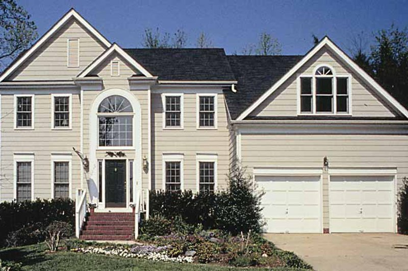 Traditional Exterior - Front Elevation Plan #453-491 - Houseplans.com