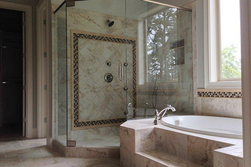 European Interior - Master Bathroom Plan #437-70 - Houseplans.com