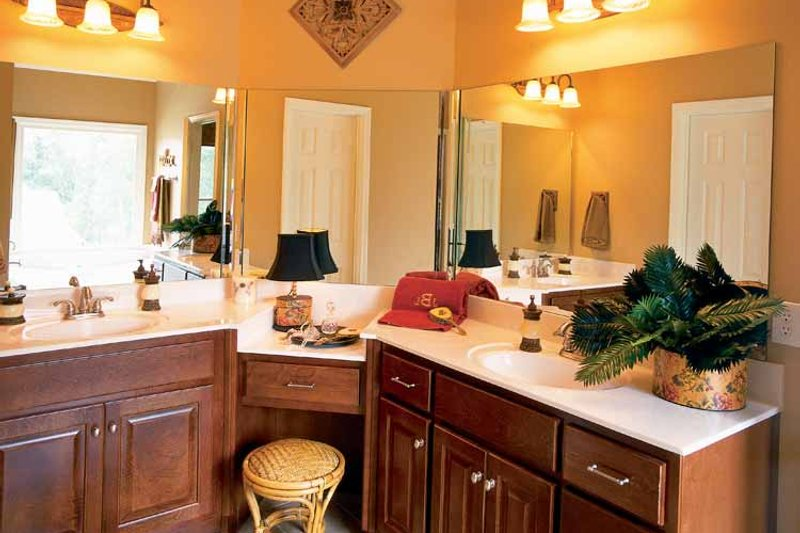 Colonial Interior - Master Bathroom Plan #927-872 - Houseplans.com