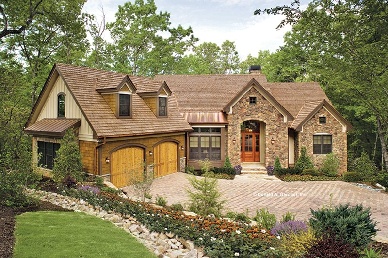 Craftsman Exterior - Front Elevation Plan #929-937 - Houseplans.com