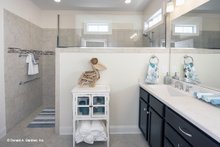 Craftsman Interior - Master Bathroom Plan #929-437