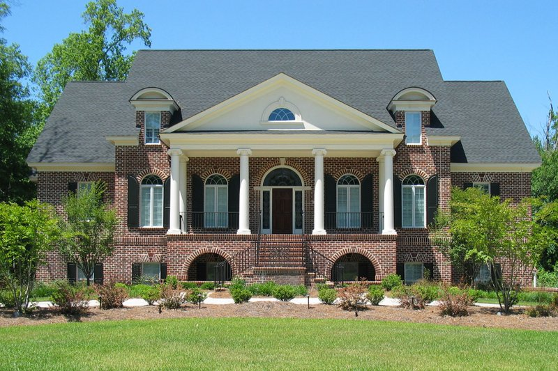 Home Plan - Classical Exterior - Front Elevation Plan #1054-81