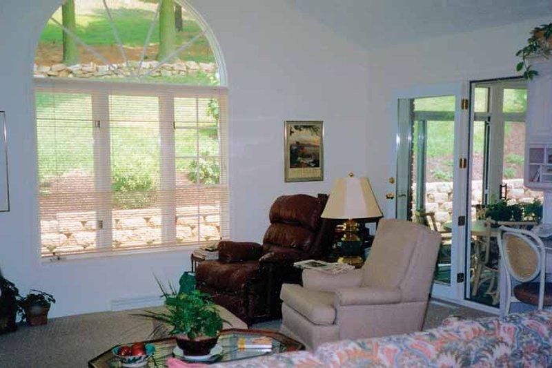Country Interior - Family Room Plan #314-198 - Houseplans.com