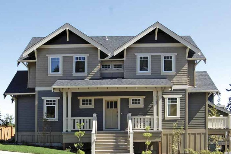 Craftsman Exterior - Front Elevation Plan #895-67 - Houseplans.com