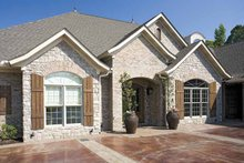 Traditional Exterior - Front Elevation Plan #17-2757