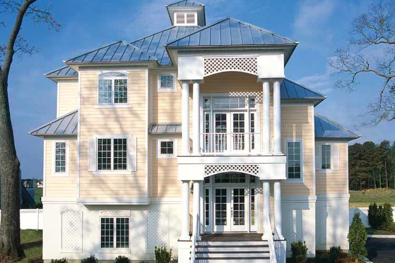 Traditional Exterior - Front Elevation Plan #930-121