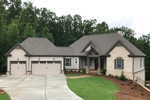Dream House Plan - Craftsman Exterior - Front Elevation Plan #437-76
