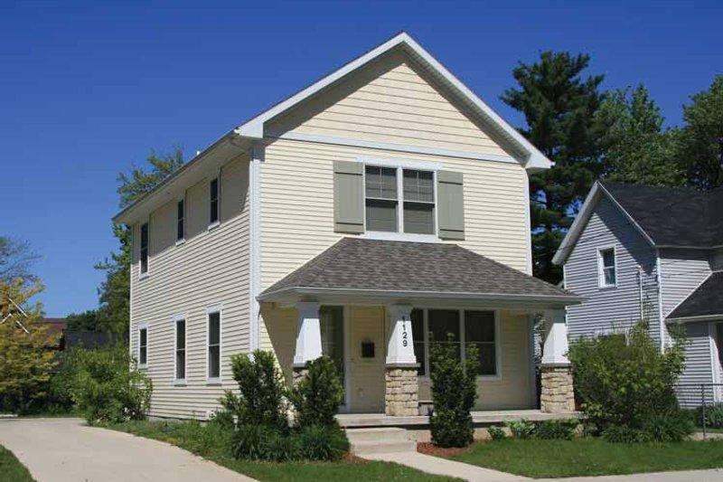 Craftsman Exterior - Front Elevation Plan #928-209