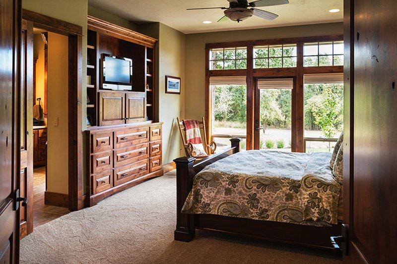 Ranch Interior - Master Bedroom Plan #48-712 - Houseplans.com