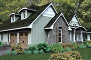 Craftsman Style House Plan - 3 Beds 3 Baths 2267 Sq/Ft Plan #120-181