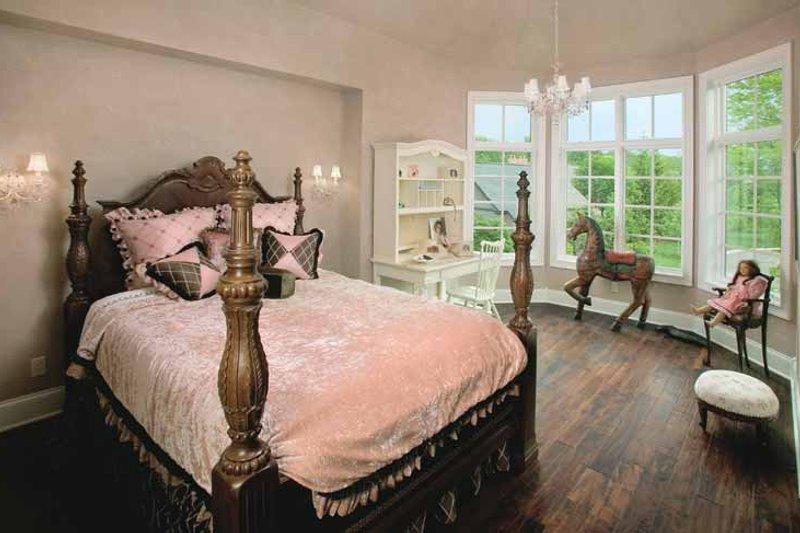 Tudor Interior - Bedroom Plan #928-61 - Houseplans.com