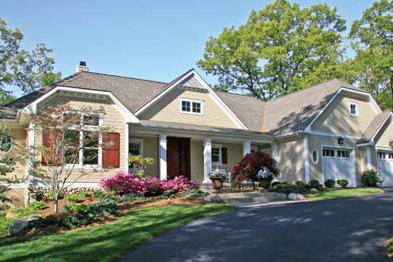 Craftsman Exterior - Front Elevation Plan #928-223 - Houseplans.com