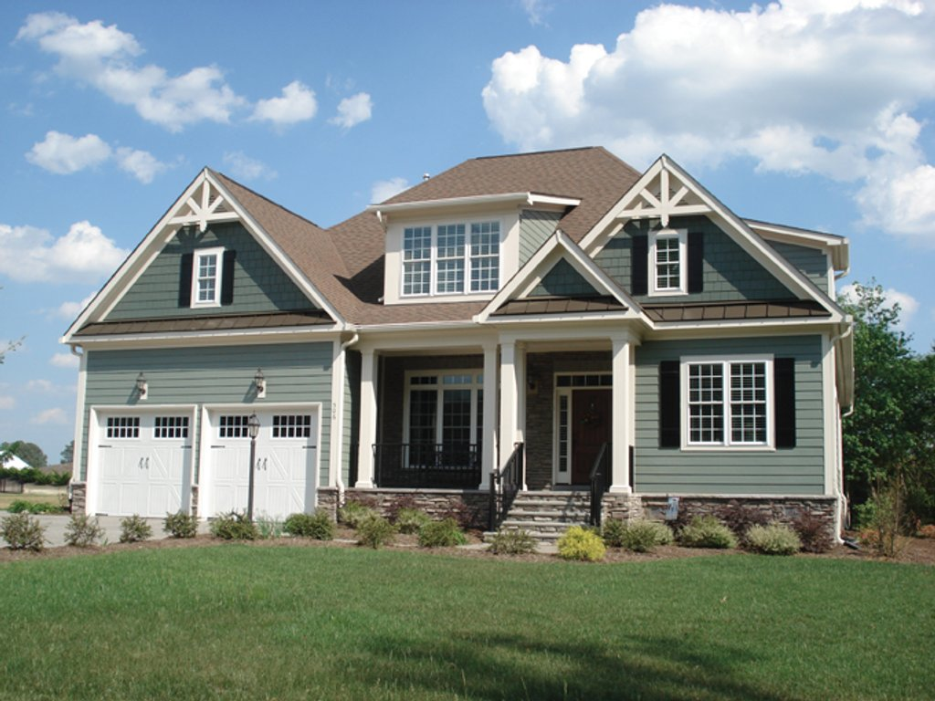 Craftsman style house plan 4 beds 4 baths 3001 sq ft for Craftsman vs mission style