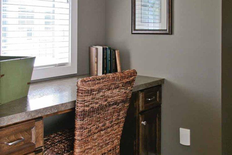 Craftsman Interior - Master Bathroom Plan #928-194 - Houseplans.com