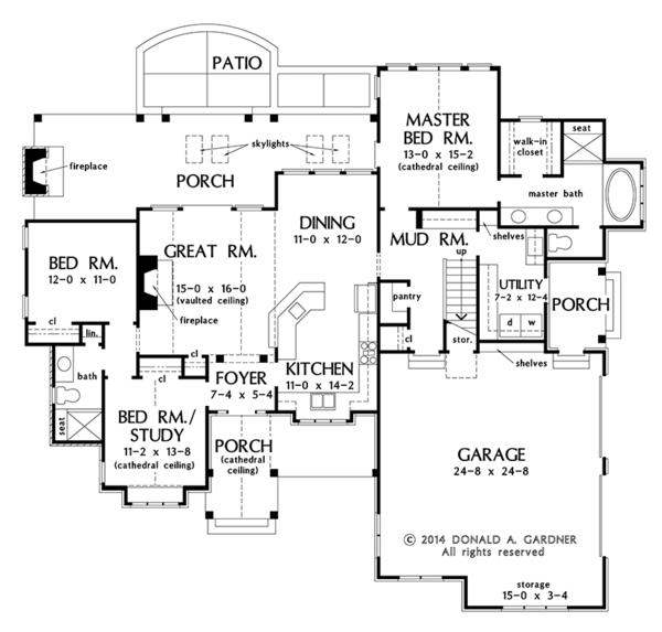 Craftsman Floor Plan - Main Floor Plan Plan #929-999