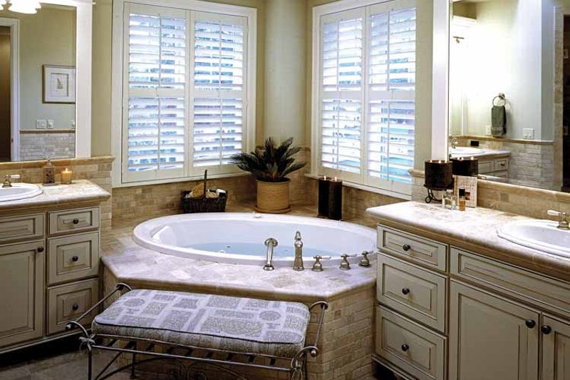 Craftsman Interior - Bathroom Plan #132-351 - Houseplans.com