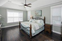 Craftsman Interior - Master Bedroom Plan #929-949