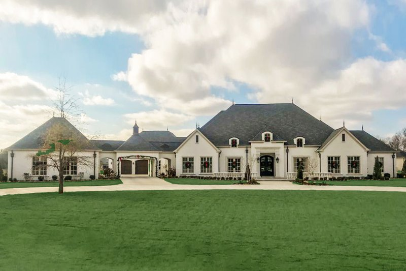 House Design - European Exterior - Front Elevation Plan #923-74