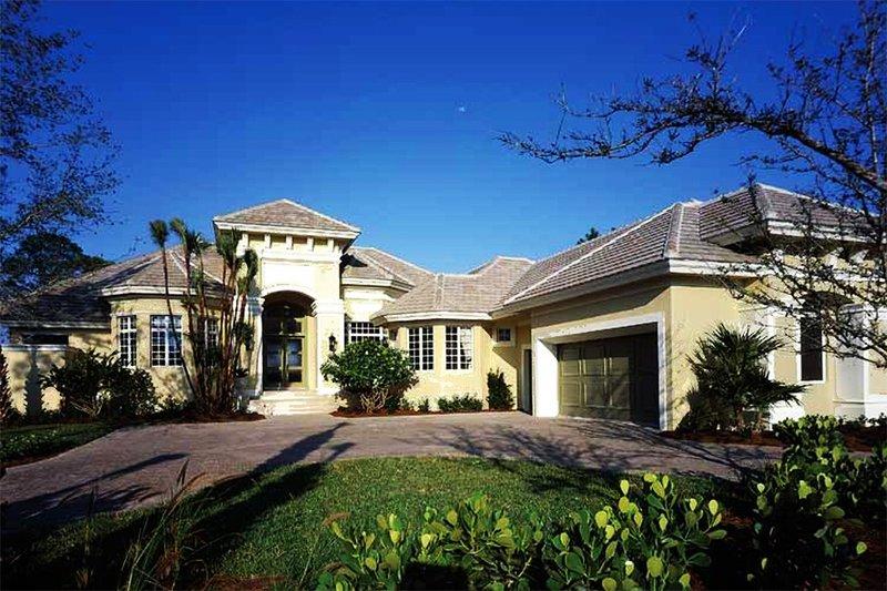 House Plan Design - Mediterranean Exterior - Front Elevation Plan #930-312