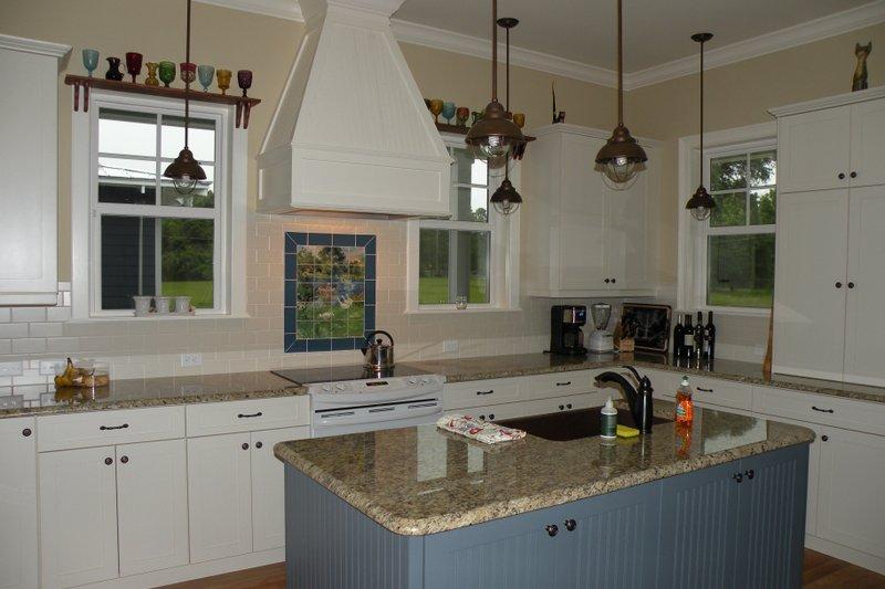 Farmhouse Interior - Kitchen Plan #64-208 - Houseplans.com