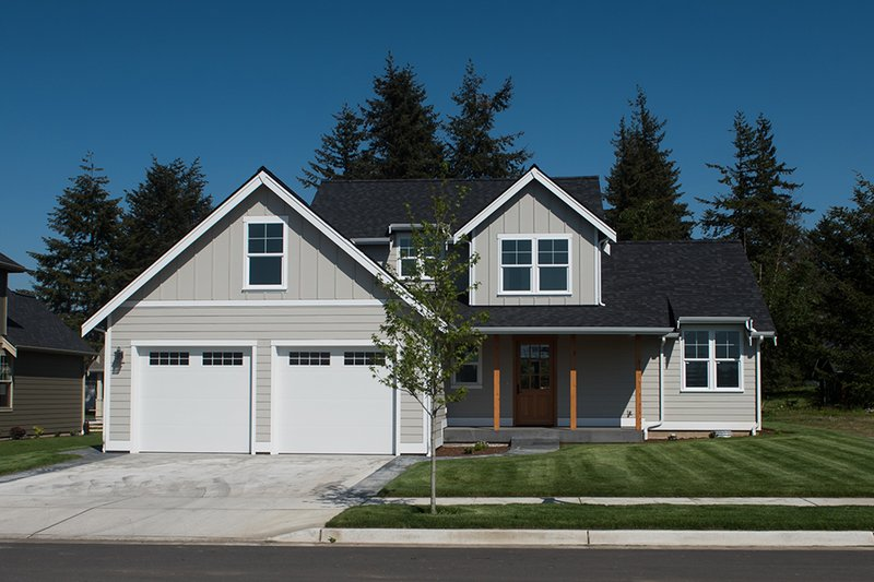 Farmhouse Style House Plan - 3 Beds 2.5 Baths 1854 Sq/Ft Plan #1070-26 Exterior - Front Elevation