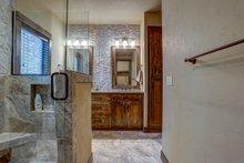 Craftsman Interior - Master Bathroom Plan #892-29