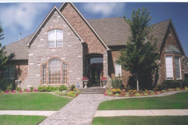 House Plan Design - European Exterior - Front Elevation Plan #52-139
