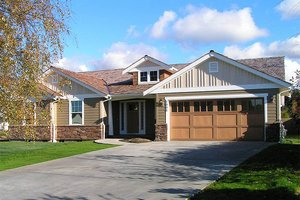 Front View - 1700 square foot Craftsman home