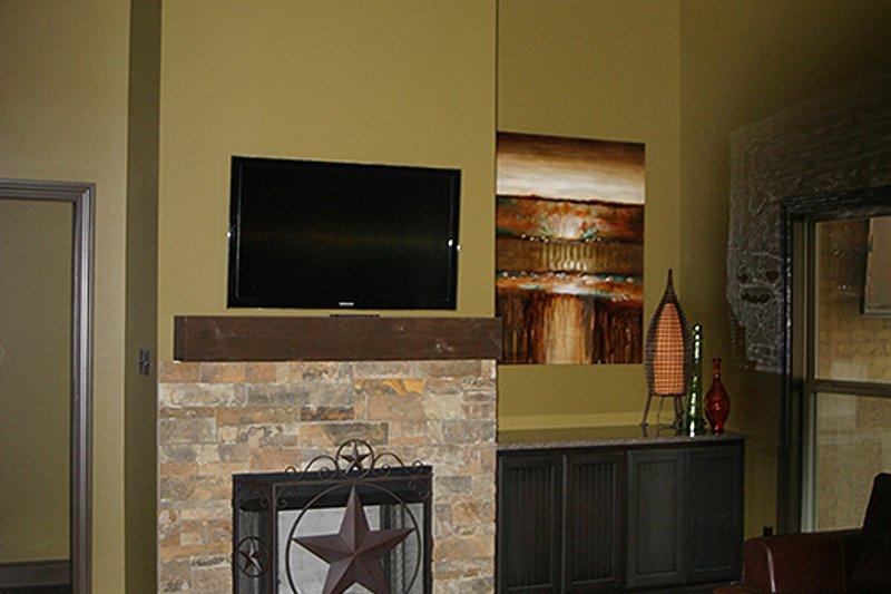 Traditional Interior - Family Room Plan #17-2400 - Houseplans.com