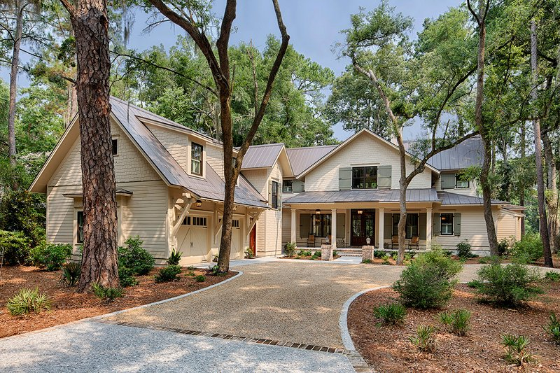Southern Style House Plan - 3 Beds 4 Baths 3360 Sq/Ft Plan #928-316 Exterior - Front Elevation