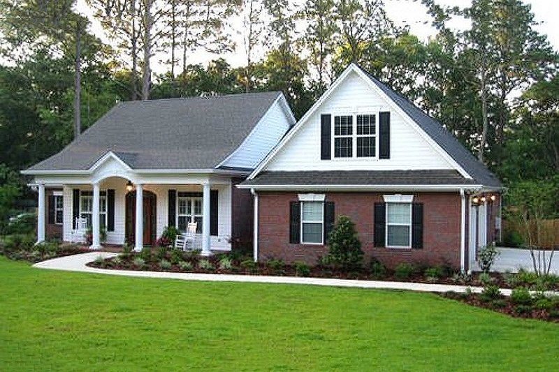 Dream House Plan - Traditional Exterior - Front Elevation Plan #56-164