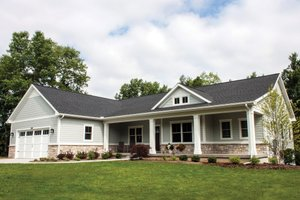 Ranch Exterior - Front Elevation Plan #928-2