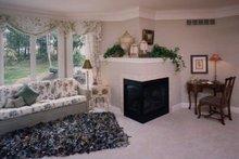 Traditional Interior - Master Bedroom Plan #46-102