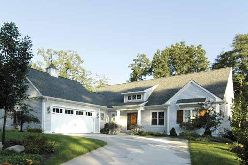 Craftsman Exterior - Front Elevation Plan #928-87
