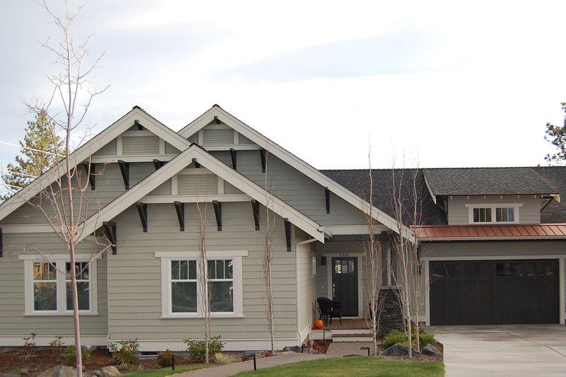 House Plan Design - Craftsman Exterior - Front Elevation Plan #895-81