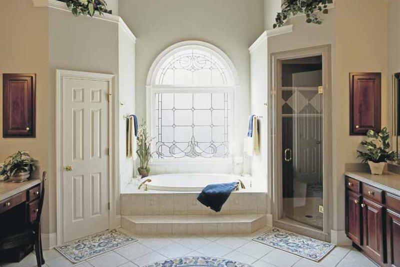 Colonial Interior - Master Bathroom Plan #927-174 - Houseplans.com