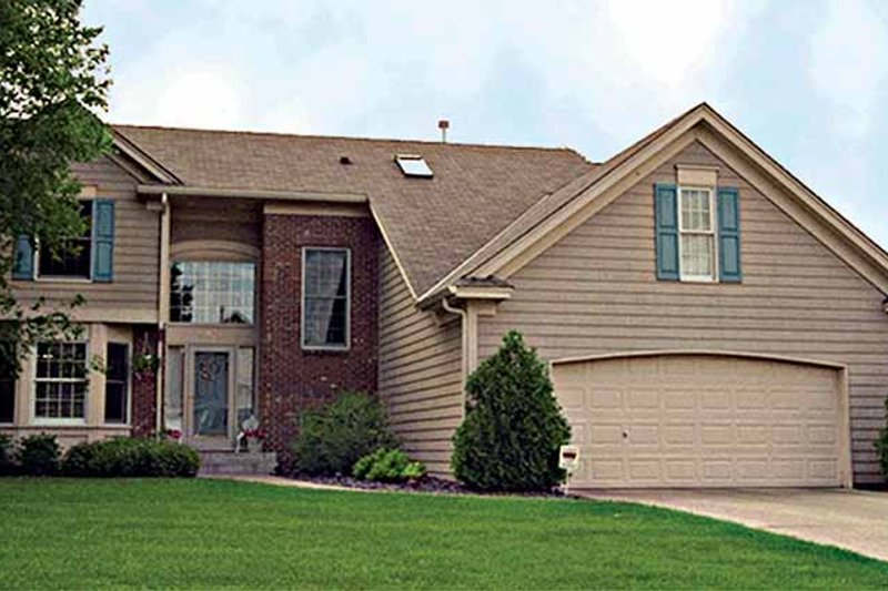 Traditional Exterior - Front Elevation Plan #51-806 - Houseplans.com