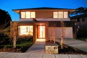 Modern Style House Plan - 4 Beds 2.5 Baths 3548 Sq/Ft Plan #496-11 Exterior - Front Elevation