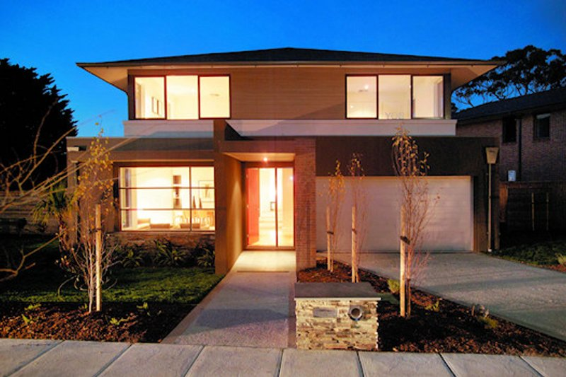 Modern Style House Plan - 4 Beds 2.5 Baths 3548 Sq/Ft Plan #496-11