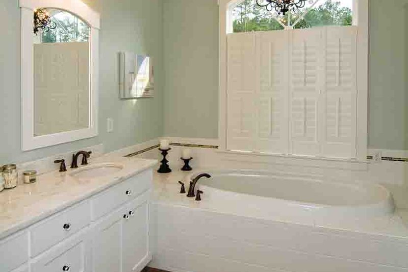 European Interior - Master Bathroom Plan #929-906 - Houseplans.com