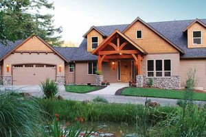 House Design - Craftsman Exterior - Front Elevation Plan #943-22