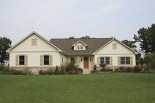 Dream House Plan - Craftsman Exterior - Front Elevation Plan #928-143