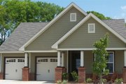 Traditional Style House Plan - 3 Beds 2 Baths 1539 Sq/Ft Plan #63-237