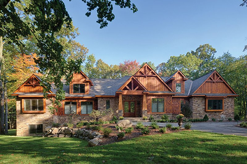 Craftsman Style House Plan - 3 Beds 3 Baths 3554 Sq/Ft Plan #1057-1 Exterior - Front Elevation